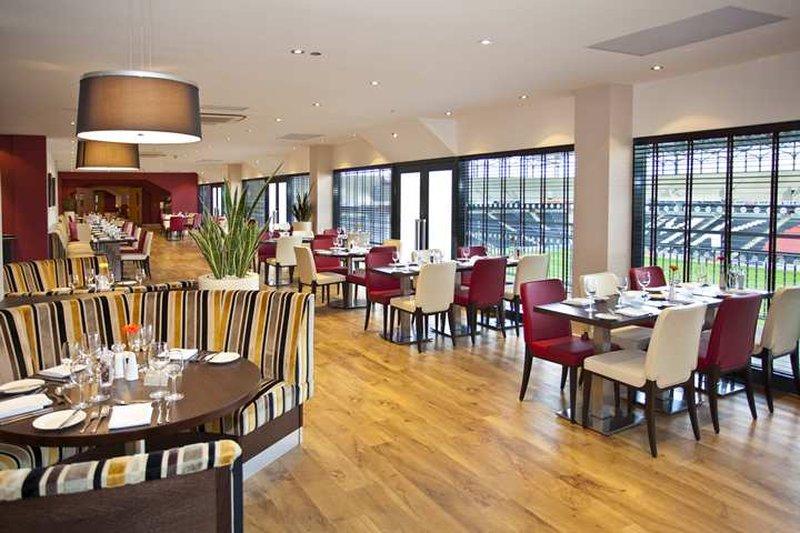 DoubleTree by Hilton Milton Keynes-pitchside restaurant<br/>Image from Leonardo