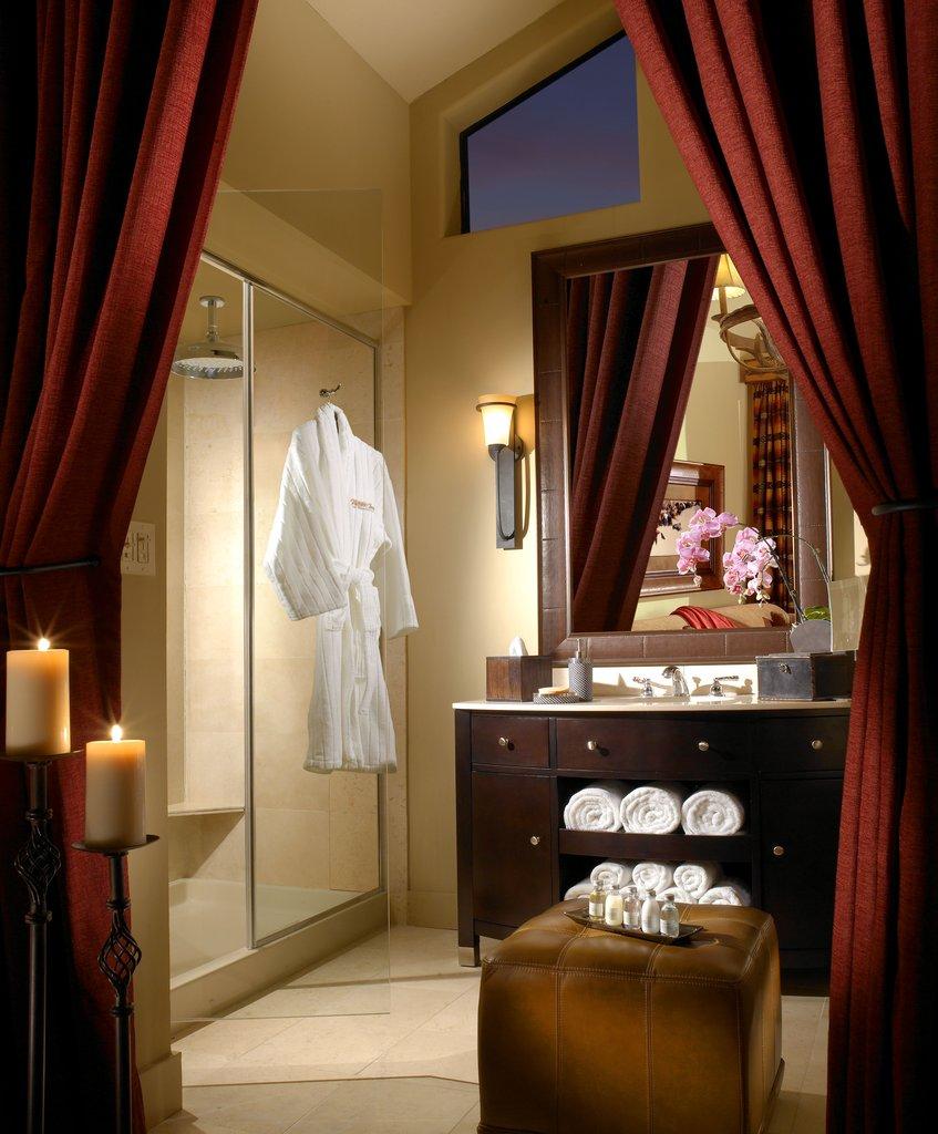 The Wort Hotel-Lavish Cabin Bathrooms<br/>Image from Leonardo