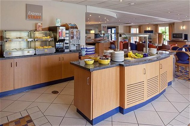 Holiday Inn Express Lichfield-Breakfast Bar<br/>Image from Leonardo