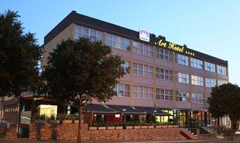 Best Western Hotel Art-Exterior<br/>Image from Leonardo