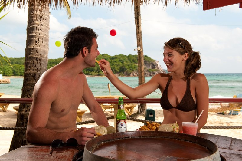 Bolongo Bay Beach Resort-Iggies Lunch<br/>Image from Leonardo