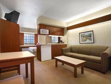Holiday Inn Rushmore Plaza-Suite<br/>Image from Leonardo