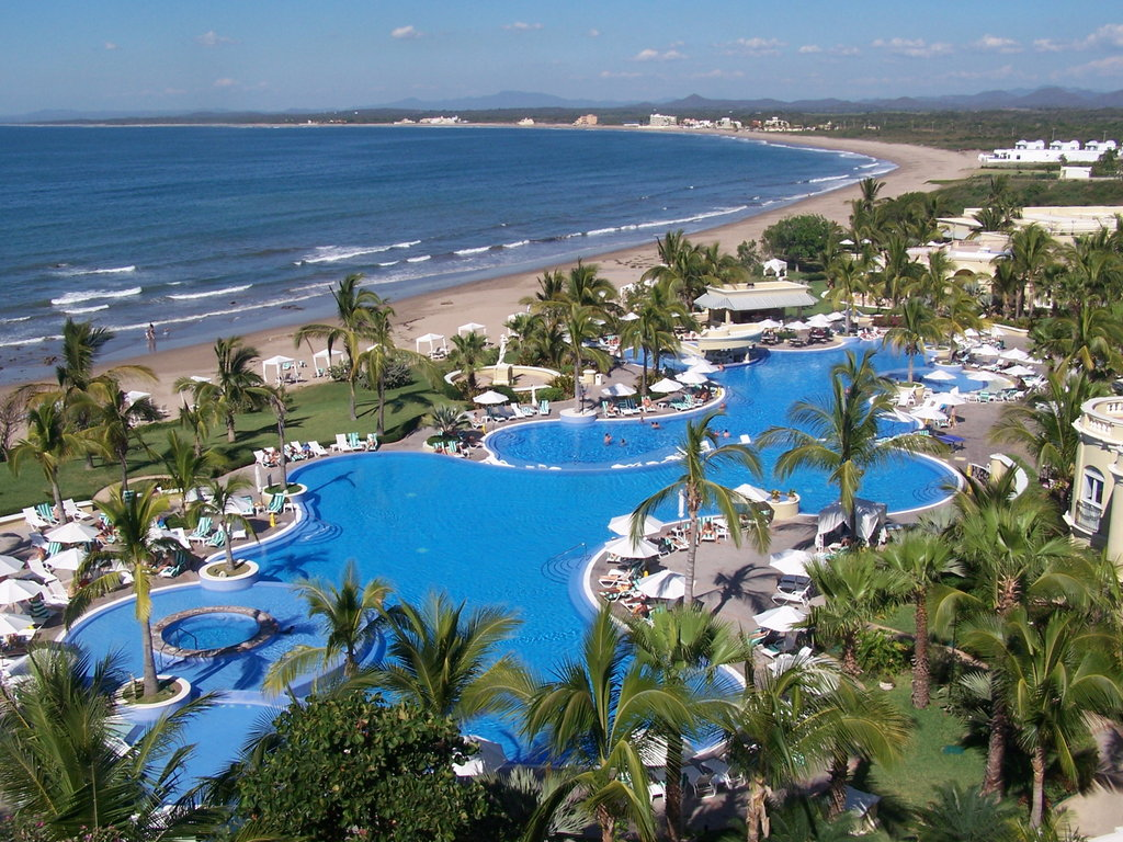 Pueblo Bonito Emerald Bay Resort & Spa-Pool<br/>Image from Leonardo