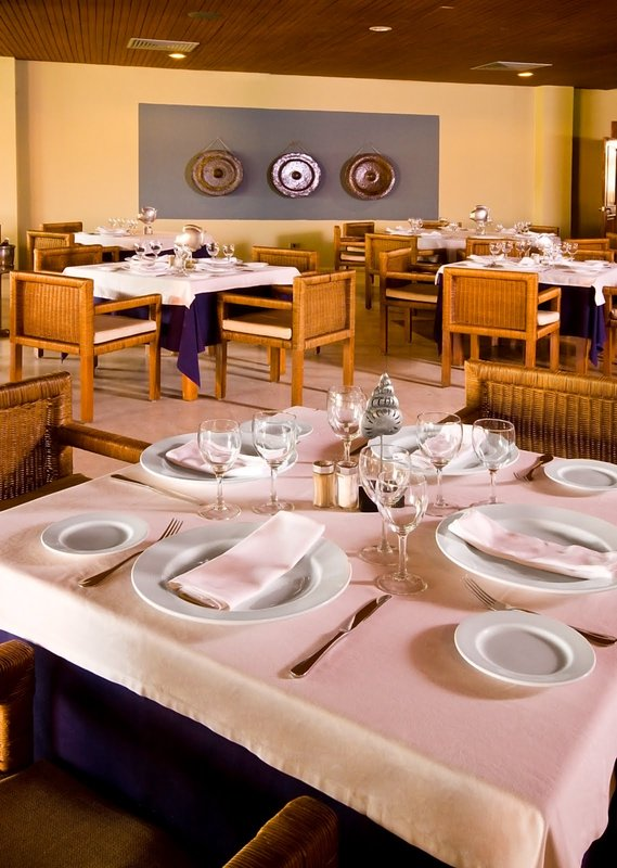 Be Live Collection Punta Cana   - Adults Only - Restaurant <br/>Image from Leonardo
