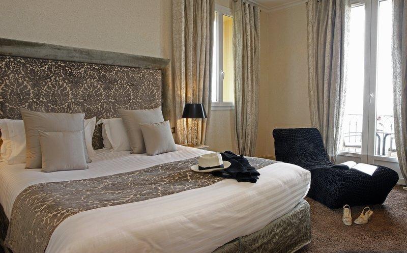 La Perouse Hotel-Deluxe Full Sea View Room<br/>Image from Leonardo