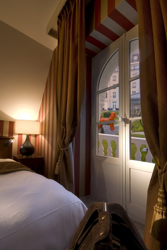 Hotel Dukes Palace Bruges (ex. Kempinski Hotel Dukes Palace)-Duplex Deluxe Junior Suite With Garden View In Bru<br/>Image from Leonardo