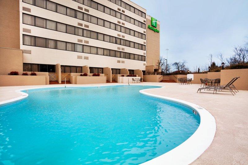 Holiday Inn Johnson City-Swimming Pool<br/>Image from Leonardo
