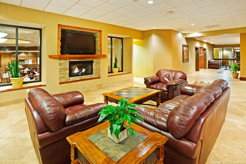 Holiday Inn Johnson City-Hotel Lobby<br/>Image from Leonardo