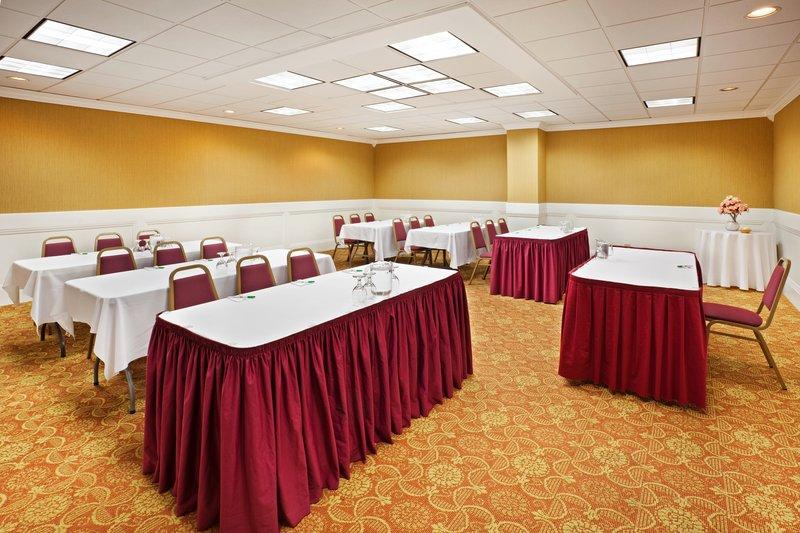 Holiday Inn Johnson City-Meeting Room<br/>Image from Leonardo