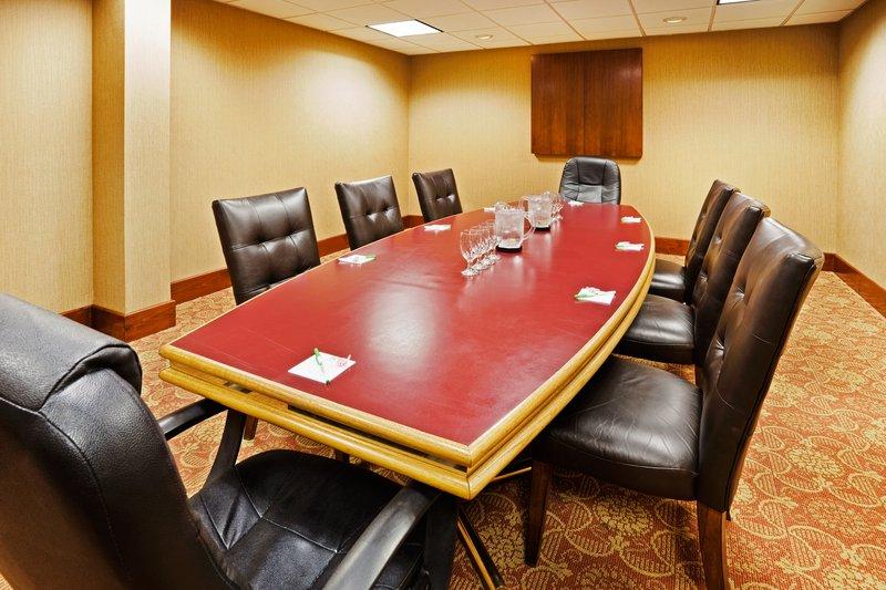 Holiday Inn Johnson City-Boardroom<br/>Image from Leonardo