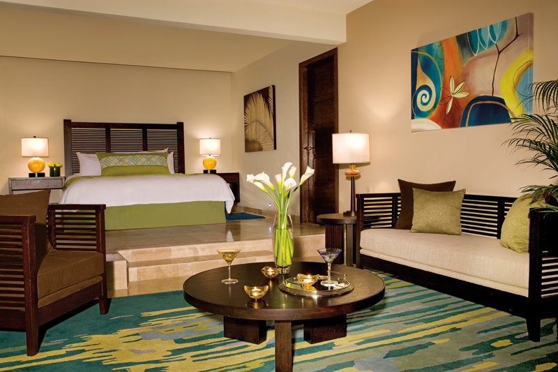 Now Jade Riviera Cancun - Preferred Governor Suite Bedroom <br/>Image from Leonardo