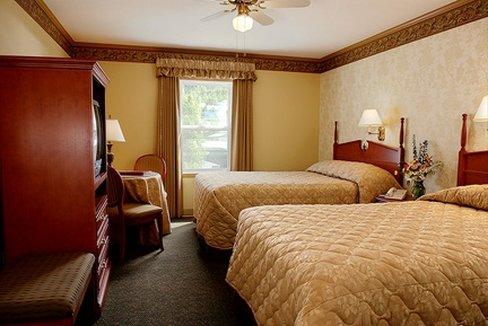 Aurora Inn Dawson City-Westmark Dawson 2 Double Beds<br/>Image from Leonardo