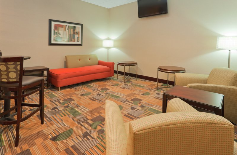 Holiday Inn Hotel & Suites Mansfield-Conference Ctr-Lobby Lounge<br/>Image from Leonardo