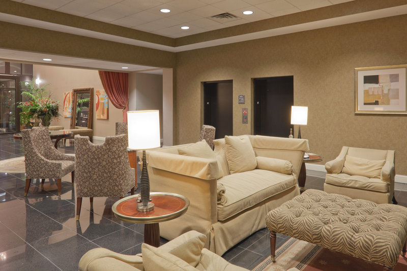 Holiday Inn Carbondale-Conference Center-Lobby Lounge<br/>Image from Leonardo