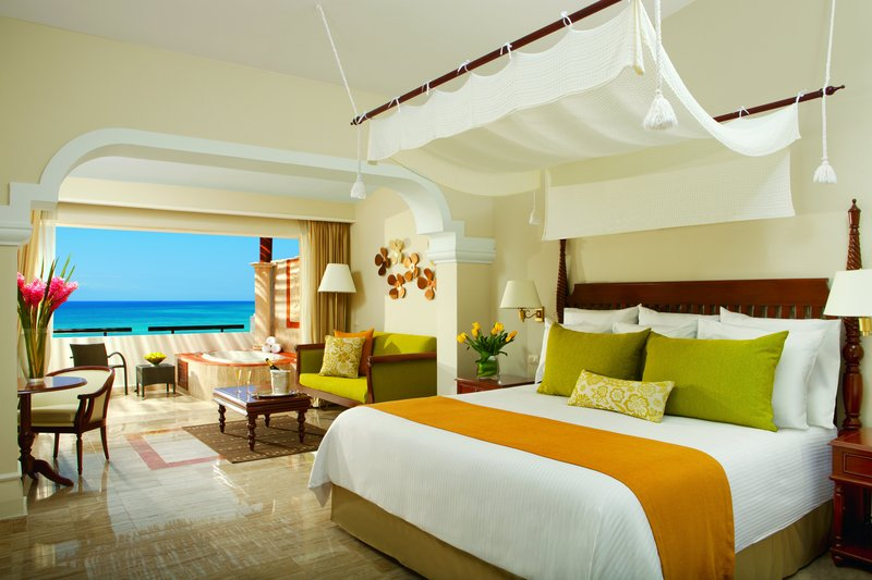 Now Sapphire Riviera Cancun - Oceanfront Suite <br/>Image from Leonardo