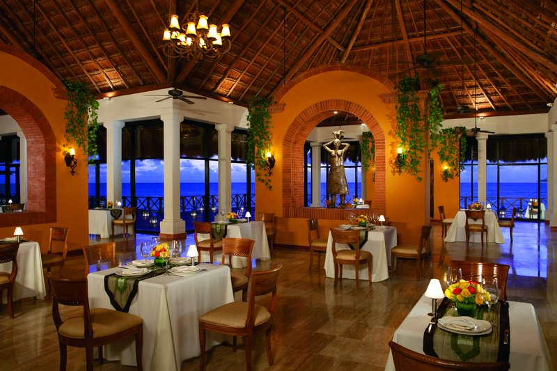 Now Sapphire Riviera Cancun - Market Cafe <br/>Image from Leonardo
