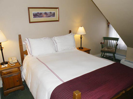 Eagle Mountain House and Golf Club-Inn Room With One Queen Bed<br/>Image from Leonardo
