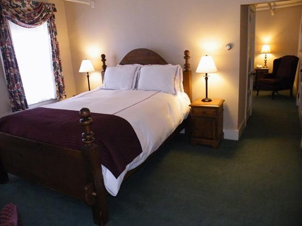 Eagle Mountain House and Golf Club-Standard View Suite Rooms<br/>Image from Leonardo