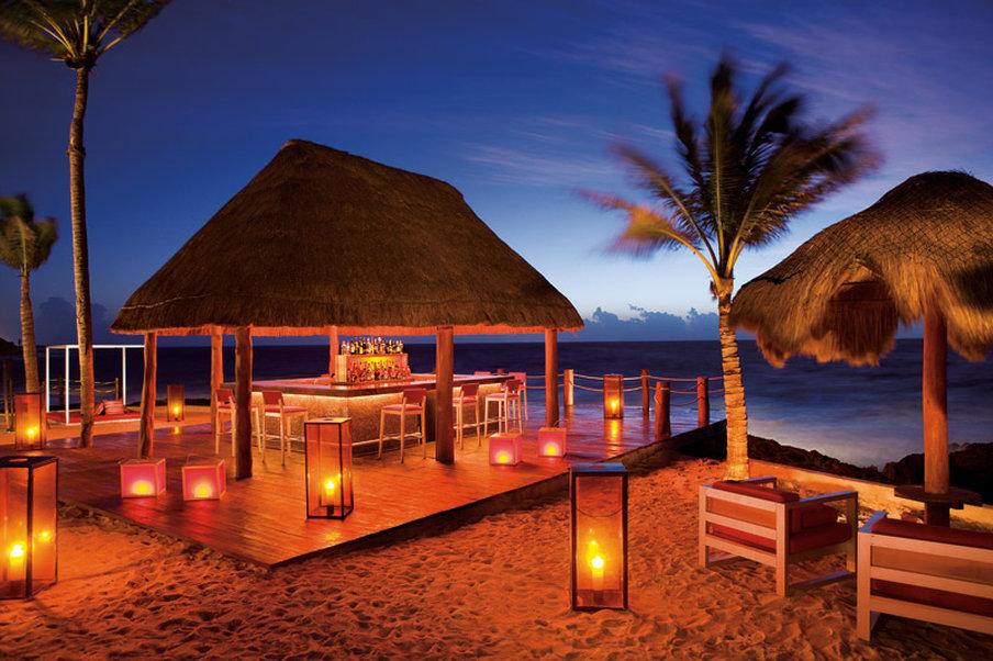 Dreams Puerto Aventuras - Bar/Lounge <br/>Image from Leonardo
