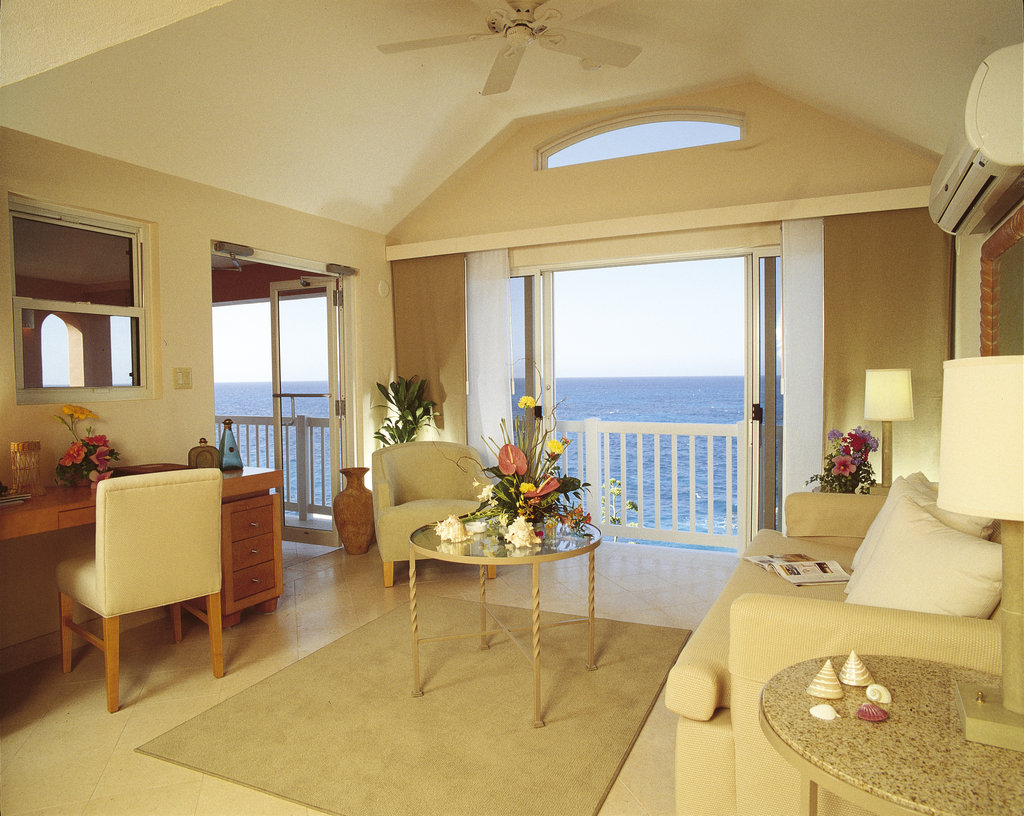 The Reefs-Point Suite seating area<br/>Image from Leonardo