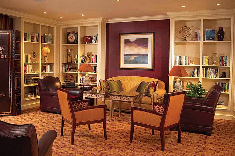Crowne Plaza Syracuse-Library Lounge<br/>Image from Leonardo