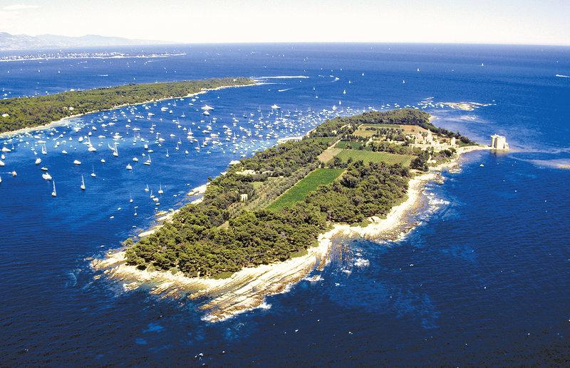 Hotel Majestic Barriere-Saint Honorat Island<br/>Image from Leonardo