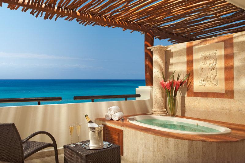Now Sapphire Riviera Cancun - Jacuzzi <br/>Image from Leonardo