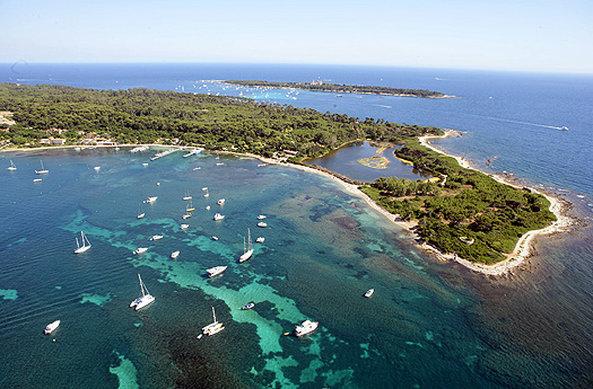 Hotel Majestic Barriere-Sainte Marguerite Island<br/>Image from Leonardo