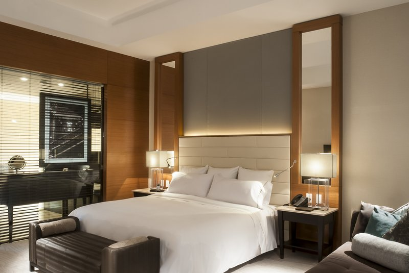Live Aqua Urban Resort Mexico-Deluxe Room, 1 King<br/>Image from Leonardo