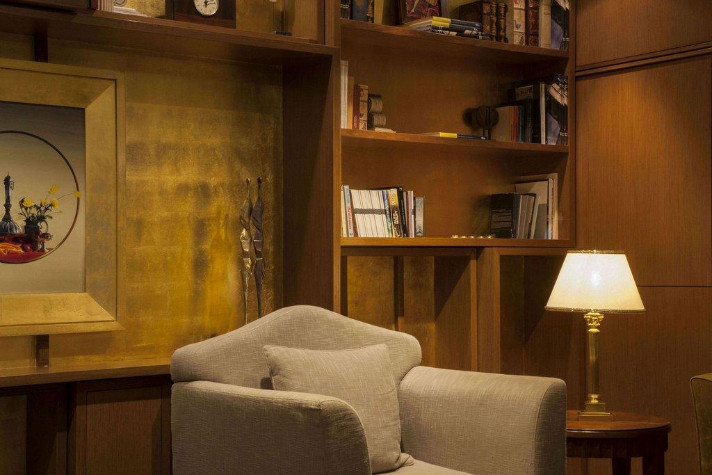 Electra Hotel - Front Desk <br/>Image from Leonardo