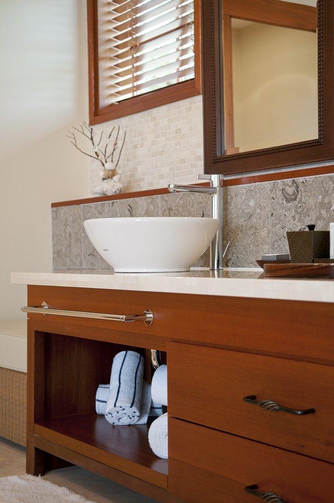 Santa Barbara Beach & Golf Rst - Bathroom <br/>Image from Leonardo