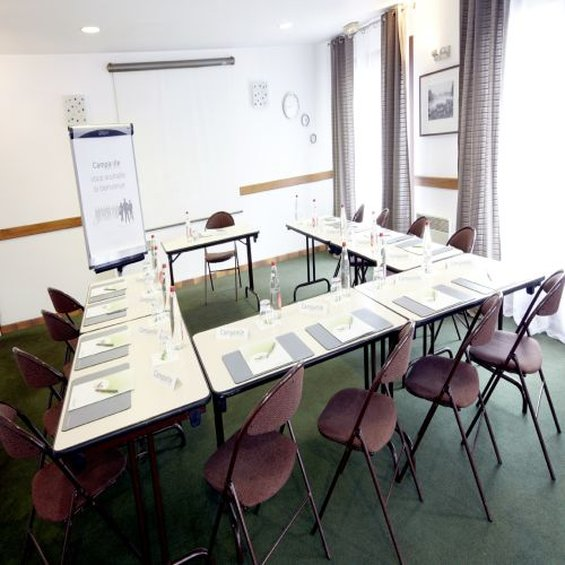 Mercure Lille Roubaix Grand Hotel Hotel-Meeting Room<br/>Image from Leonardo
