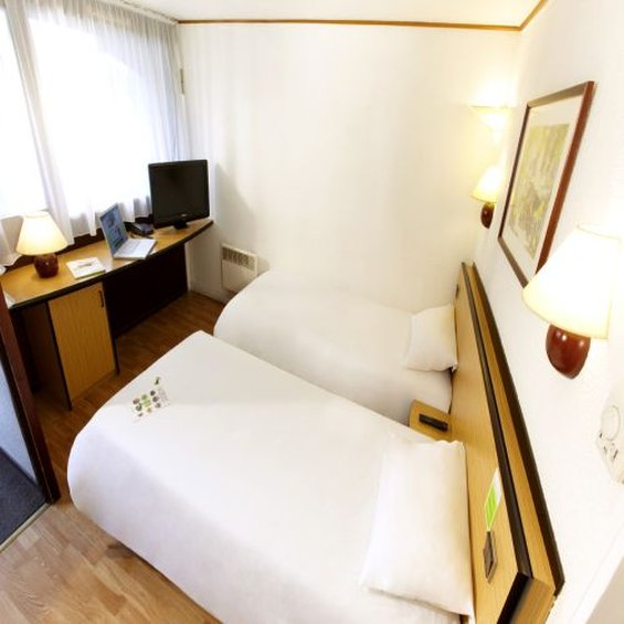 Mercure Lille Roubaix Grand Hotel Hotel-Twin Room<br/>Image from Leonardo