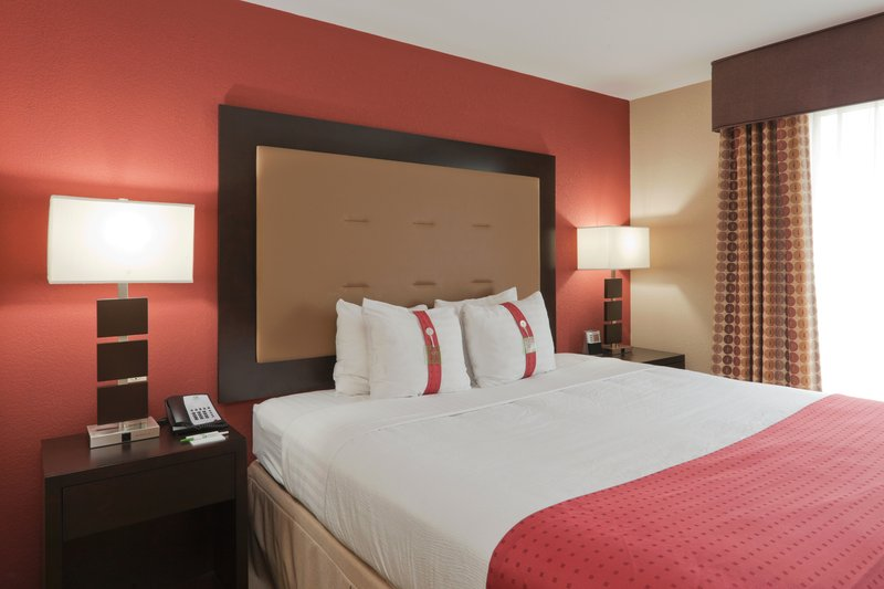 Holiday Inn Hotel & Suites Lima-King Bed Guest Room<br/>Image from Leonardo