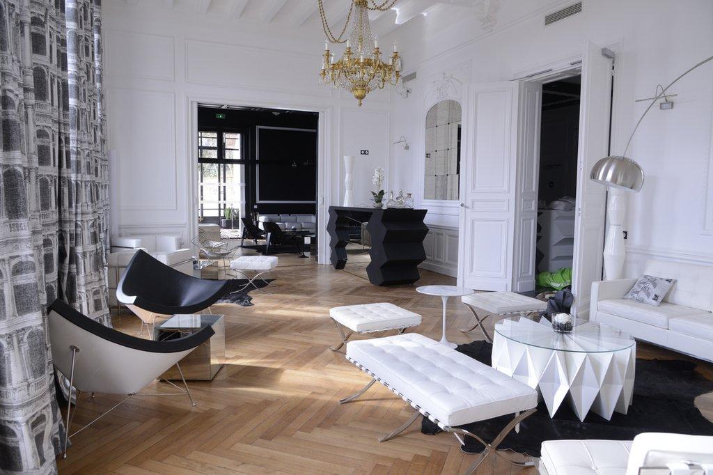 Art Hotel Tours-Interior<br/>Image from Leonardo