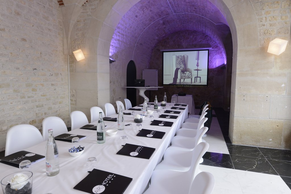Art Hotel Tours-Meeting Room<br/>Image from Leonardo