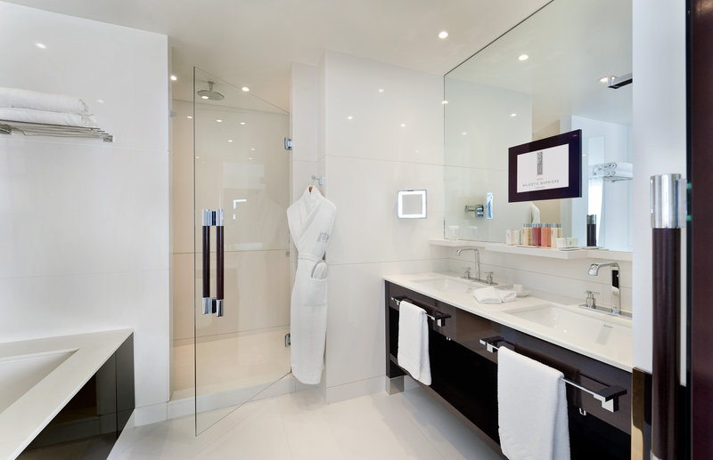 Hotel Majestic Barriere-Bathroom<br/>Image from Leonardo