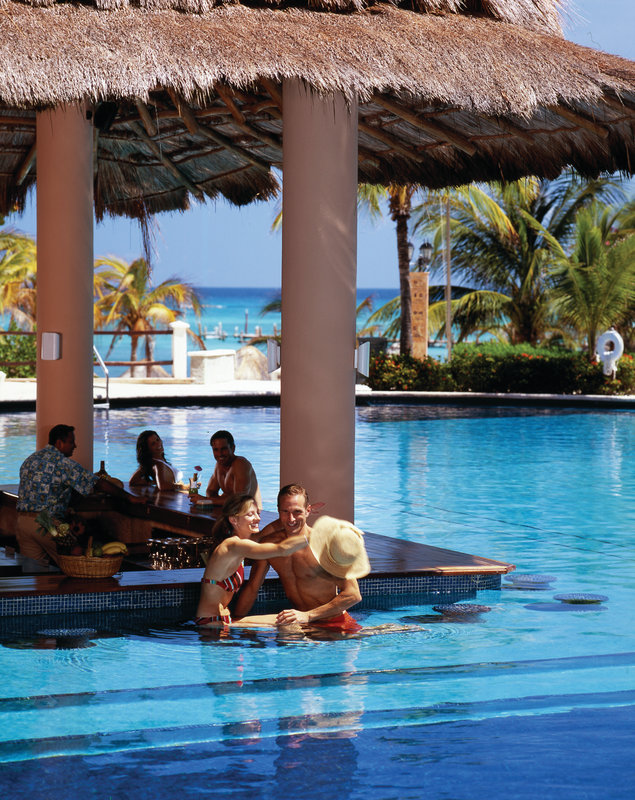 Grand Fiesta Americana Coral Beach Cancun - Sunrise Bar <br/>Image from Leonardo