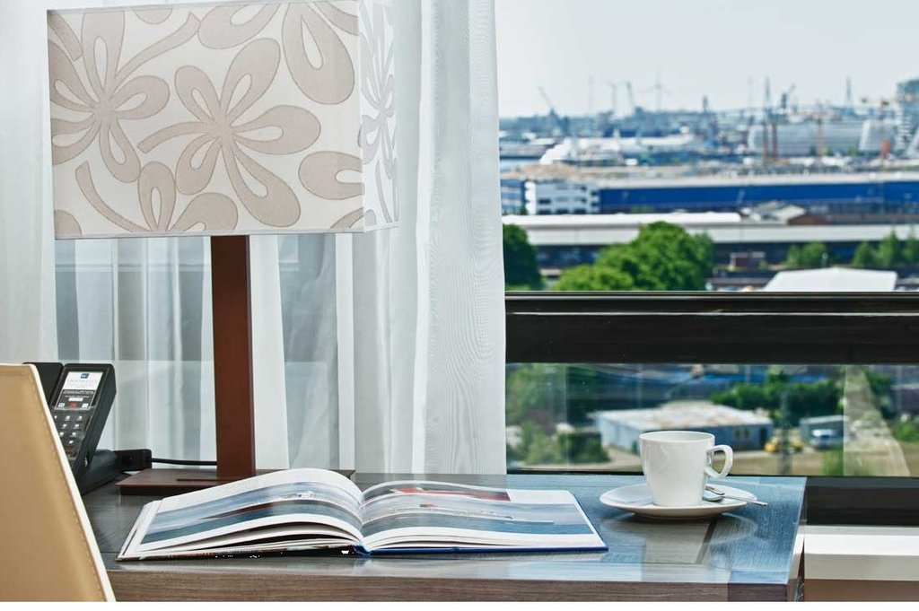 CITY HOTEL HAMBURG MITTE-Guest Room<br/>Image from Leonardo