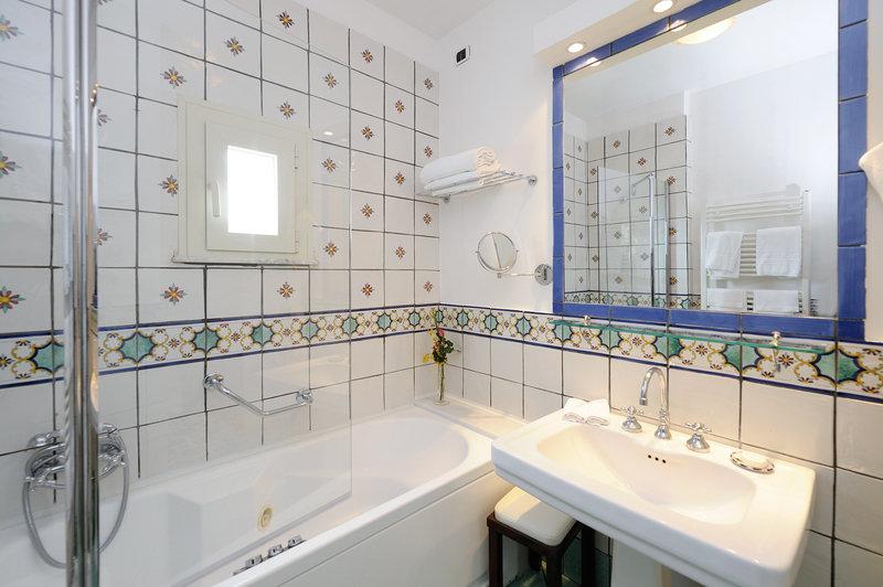 Santa Caterina Hotel-Standard Room <br/>Image from Leonardo