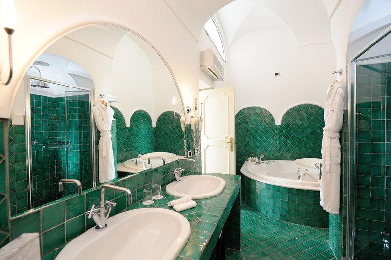 Santa Caterina Hotel-Junior Suite Bagno<br/>Image from Leonardo