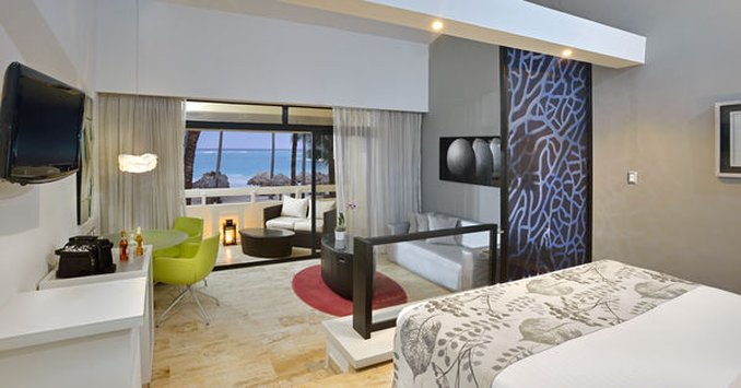 Punta Cana Princess All Suite - Normal APPunta Cana Luxury Jr Suite Ocean View Whi <br/>Image from Leonardo