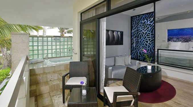 Punta Cana Princess All Suite - Normal CPPunta Cana Luxury Jr Suite Ocean View Whi <br/>Image from Leonardo