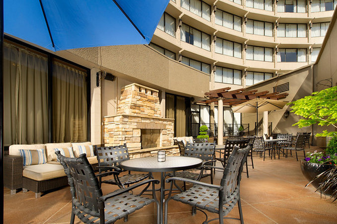 Crowne Plaza Portland-Downtown Conv Ctr-Outdoor Fireside Plaza<br/>Image from Leonardo