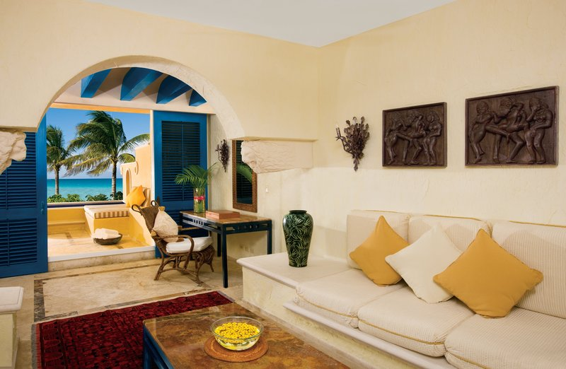 Zoetry Paraiso La Bonita - Master Suite Living Room <br/>Image from Leonardo