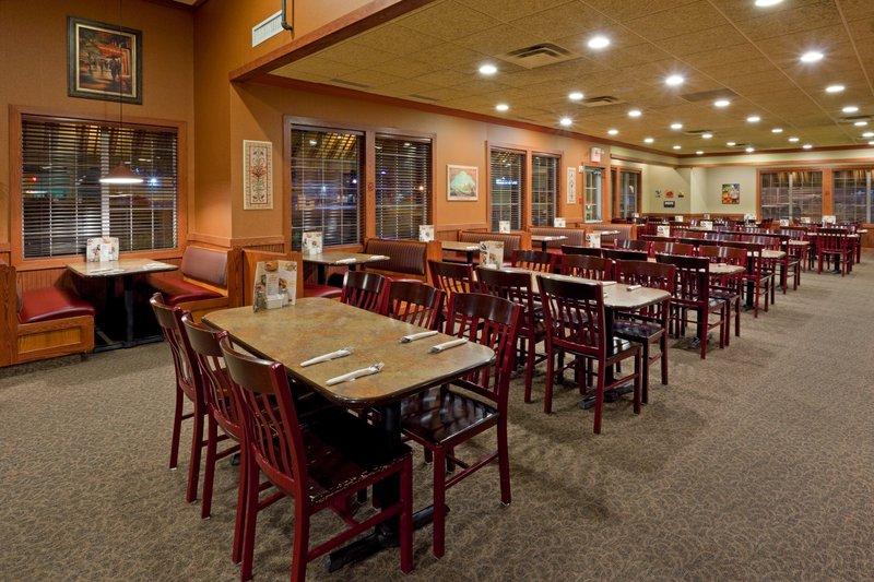 Holiday Inn Hotel & Suites Regina-Restaurant<br/>Image from Leonardo