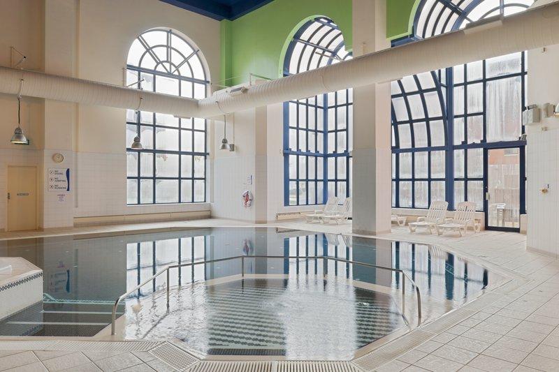 Crowne Plaza Leeds-Swimming Pool<br/>Image from Leonardo