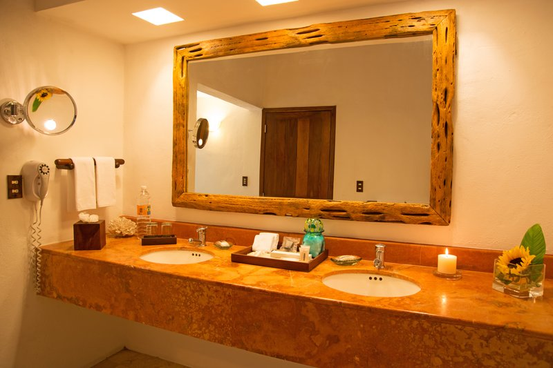 Explorean Kohunlich-Bathroom<br/>Image from Leonardo