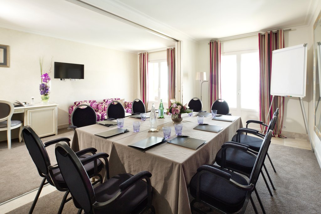 La Perouse Hotel-Meeting room Baie des Anges<br/>Image from Leonardo