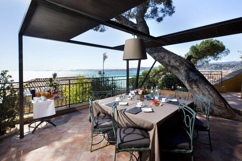 La Perouse Hotel-Terrace Gardiola<br/>Image from Leonardo